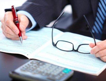 חתימה על מסמכים לפני בדיקה יסודית