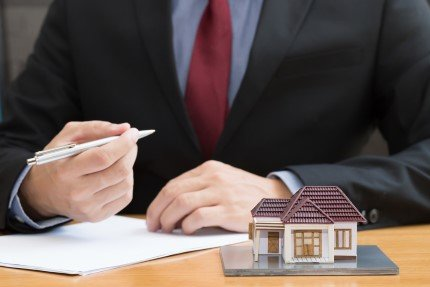 חתימה על בית במסגרת תכנית מחיר למשתכן
