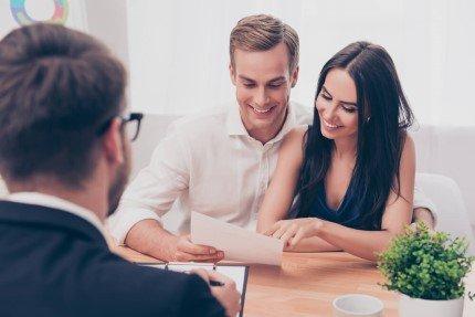 זוג צעיר שקיבל דירה במחיר למשתכן